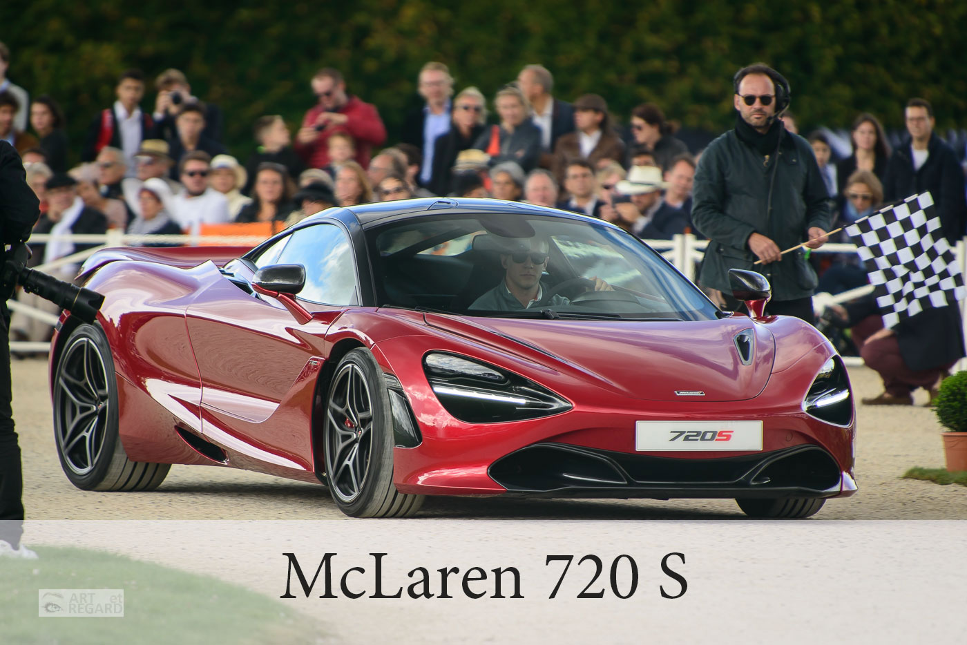 Présentation de la McLaren 720S Memphis RED à Chantilly